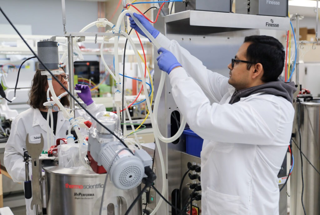 Image: AskBio bioreactor. (Credit: Bayer AG)